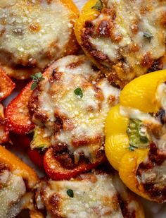 Bolognese Stuffed Peppers Turkey Bolognese, Bolognese Recipe, Easy Dinner Recipes, Easy Meals, Ground Turkey Stuffed Peppers, Beef Recipes, Cooking Recipes, Recipies, Clean Eating