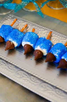 Hanukkah treats - these would be fun to make with kids!