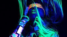 WWE Naomi: Feel The Glow
