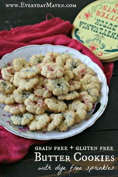 Grain-free or gluten-free, and you miss traditional Christmas cookies like spritz cookies? These butter cookies with dye-free sprinkles will fulfill your craving! Cookies Healthy, Gluten Free Christmas Cookies, Gluten Free Cookies, Gluten Free Baking, Gluten Free Desserts, Keto Cookies, Paleo Dessert, Paleo Sweets, Paleo Food