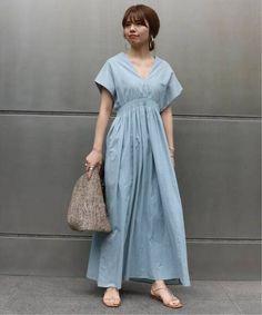 <otona MUSE7月号掲載>《追加予約》【MARIHA】 夏の光のドレス◆|NOBLE(ノーブル)公式のファッション通販|【19040250005530】- BAYCREW'S STORE Minimalist Style, Minimalist Fashion, Fashion Outfits, Womens Fashion, Maternity Fashion, Stylists, Short Sleeve Dresses, One Piece, Sewing