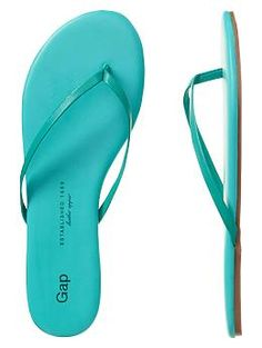 This heat wave in San Diego is getting us geared up for summer! Bring on the warm weather and the super cute sandals! Blue Fashion, Fashion Shoes, Fashion Accessories, Aqua, Teal, Leather Flip Flops, Cute Sandals, Crazy Shoes, Tiffany Blue