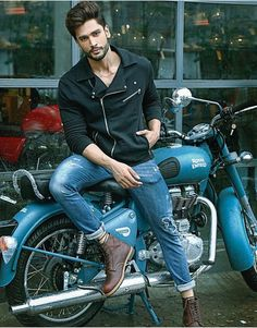 Indian model Rohit Khandelwal Mr World ( Model Poses Photography, Mens Photoshoot Poses, Bike Photoshoot, Best Poses For Men, Good Poses, Handsome Indian Men, Motard Sexy, Photo Poses For Boy, Male Models Poses