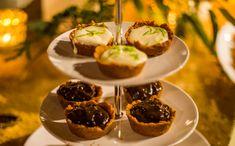 Mini tortinhas de sobremesa são perfeitas para servir em um jantar com amigos