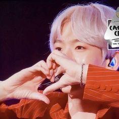 bubble gum — *:・゚✧ BAEKHYUN ✧。 Kyungsoo, Chanyeol, Exo Official, Exo Memes, Reaction Pictures, Pretty Boys, Comedians, Kpop, Bubble Gum