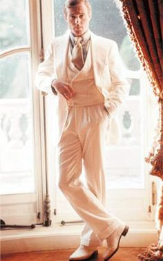 "Robert Redford - ""Il grande Gatsby""(1974)Not  Note the forward pleat slacks - box pleat and extra deep pleat"