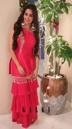 Dipika Kakar in Kalki Hot Pink Sharara Suit Set In Raw Silk With Floral Embroidery Patches Sharara Designs, Kurta Designs Women, Kurti Designs Party Wear, Lehenga Designs, Indian Gowns Dresses, Pakistani Dresses, 15 Dresses, Ethnic Outfits, Indian Outfits