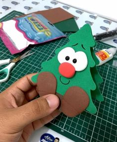 DIY Christmas Craft Idea for kids! christmas decorations for kids DIY Christmas Craft Idea for kids! Christmas Trees For Kids, Christmas Crafts For Kids To Make, Christmas Tree Crafts, Christmas Love, Christmas Activities, Christmas Projects, Holiday Crafts, Christmas Decorations Diy For Kids, Homemade Decorations