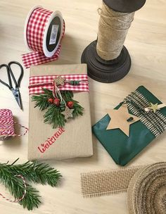 Christmas in Portugal - Christmas: Wrapping Christmas presents . - Hediye ve paketleme fikirleri Christmas Crafts For Gifts, Christmas Gift Wrapping, Christmas Presents, Craft Gifts, Diy Gifts, Christmas Time, Holiday Gifts, Christmas Decorations, Office Decorations