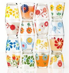 """vintage sour cream glasses- these would make cute juice glasses! (I've never heard of """"sour cream glasses"""". Vintage Kitchenware, Vintage Dishes, Vintage Pyrex, Vintage Glassware, Antique Dishes, Vintage Love, Retro Vintage, Vintage Cups, Vintage Floral"""