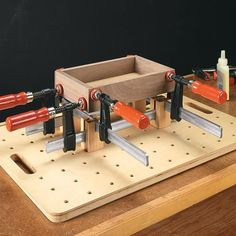 Compact Assembly Station Woodsmith Tips The post Compact Assembly Station Woodsmith Tips appeared first on Pinova - Woodworking Woodworking For Kids, Woodworking Clamps, Popular Woodworking, Woodworking Furniture, Woodworking Shop, Woodworking Projects, Woodworking Quotes, Intarsia Woodworking, Woodworking Equipment