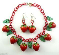 RARE Vintage 1930s 40s Bakelite STRAWBERRIES Necklace & Earrings SET