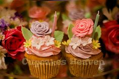 flower cupcakes on tiers