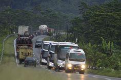 Kita selajur, semoga di sejalurkan 🚌😘 ----- We Make Your Way 🌈 ----- - 📞 (022) 520- 3905 - Bandung. - 📞 (021) 633- 0161 - Jakrarta. - 📞 (0231) 237- 237 - Cirebon.  Atau ke kantor marketing kami di; - 🏫 Jl. Soekarno Hatta, No. 269, Bandung. - 🏫 Jl. Roxy Mas Blok C3 No 1 - 3 Lt 3 Gd BPR BBA lt 4, RW.8, Cideng, Gambir, Jakarta Pusat. - 🏫 Ruko Harja Mulia Blok AS 3-5, Jalan Brigjen Darsono, Tuk, Kedawung, Cirebon.