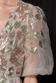 Valentino S/S 2013 Couture Runway Details Embroidery Suits Punjabi, Embroidery Suits Design, Couture Fashion, Runway Fashion, Girl Fashion, Fashion Trends, Hand Work Embroidery, Hand Embroidery Designs, Couture Embroidery