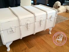 Steamer trunk upcycle into a coffee table! Follow me on Facebook for more furniture revamps! Www.facebook.com/doodledashprelovedreloved
