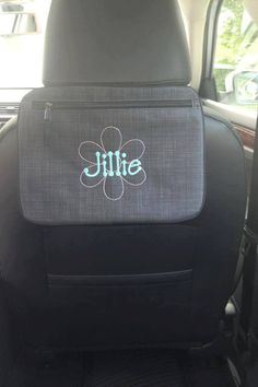 Pocket a tote for the car