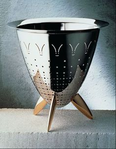 Philippe  Starck  90025 - Max le chinois, colander   ALESSI