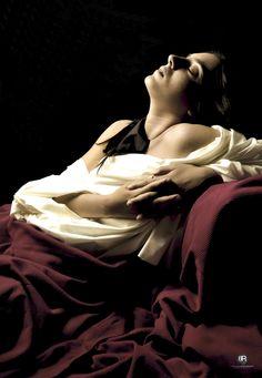 Estasi | omaggio a Caravaggio  Make up : Margherita Vindigni | Model: Luana Cappello | www.locostudio.it