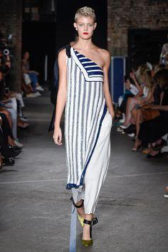 Monse Spring 2017 Ready-to-Wear Fashion Show - Sarah Fraser