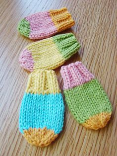 Spud & Chloë — Fun pattern collection for both kids and adults in knit and crochet — Pattern Store » Baby Mitts
