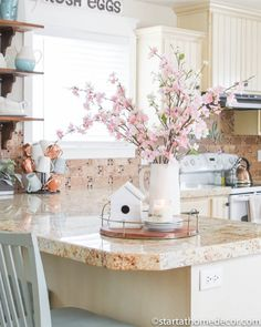 Spring Decor in my Kitchen - Farmhouse Kitchen Come and visit my 2019 spring home tour this year! You can see how I add spring decorations on a low budget and repurpose items from each room. Warm Home Decor, Spring Home Decor, Home Decor Kitchen, Diy Home Decor, Spring Decorations, Spring Kitchen Decor, Ramadan Decorations, Interior Modern, Home Interior