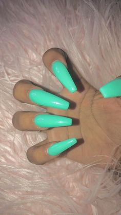 How to choose your fake nails? - My Nails Bright Acrylic Nails, Best Acrylic Nails, Clear Acrylic, Bright Colored Nails, Neutral Nails, Aycrlic Nails, Coffin Nails, Mint Gel Nails, Fire Nails