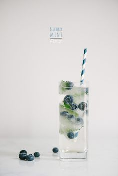 Blueberry Mint Fizz // Looks so refreshing!