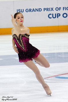 Fun interpretation of Spanish Ice Dance Dresses, Ice Skating Dresses, Figure Skating Outfits, Figure Skating Costumes, Ice Skating Videos, Ashley Wagner, Skate Wear, Ice Princess, Beautiful Figure