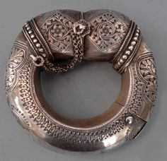 Massive silver bracelet with open work of excellent quality 19th c Oman (private collection Linda Pastorino)