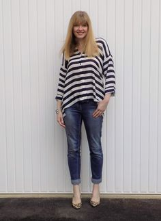 Striped top with boyfriend jeans and leopard print shoes. stripes with leopard. breton stripes and jeans Outfits 2016, Jean Outfits, Spring Outfits, Boyfriend Jeans Outfit, Interview Style, Leopard Print Shoes, Navy Stripes, Breton Stripes, Fall Jeans