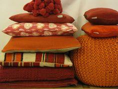 Oranje en rode kussen | VIA CANNELLA WOONWINKEL | CUIJK