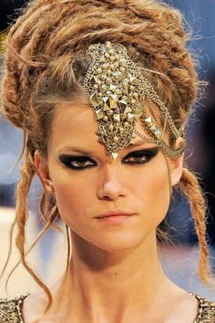 Emerald City Pretty: What I'm Loving: Chanel's Indian Inspired Metier d'Arts 2012 Collection