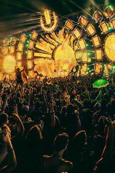 October 05 2016 at from acidholic Ultra Festival, Edm Festival, Dj Music, Dance Music, Music Is Life, Dubstep, Lollapalooza, Tomorrowland Festival, Edm Music Festivals