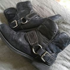 Big Buddah low rise boots These are cute , warm inside & low cut.. Buckles on sides of both boots . furry inside. Great condition !! Metallic like exterior .... Big Buddha Shoes Ankle Boots & Booties