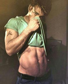 Chris Evans                                                       …