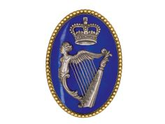 AN OFFICER'S SHOULDER-BELT PLATE, PROBABLY OF A REGIMENT OF IRISH VOLUNTEERS, CIRCA 1778-83 oval,