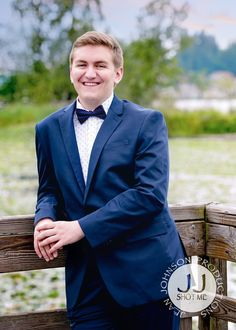 Full Classy Suit & Bow Tie Outfit for Senior Boys | Redmond High School Senior | Jean Johnson Productions - www.jjshotme.com