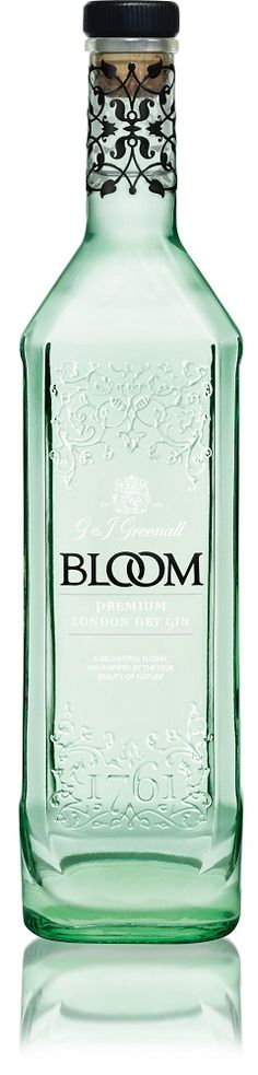 The elegant bottle of Bloom Gin - Carefully selected by GORGONIA www. Alcohol Bottles, Liquor Bottles, Vodka Bottle, Glass Packaging, Beverage Packaging, Packaging Design, Ginger Ale Gin, Cocktails, Alcoholic Drinks