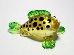 Aquarium Handcrafted MINIATURE HAND BLOWN GLASS Green Puffer Fish FIGURINE