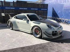 Porsche at SEMA show 2017#rwb #rauhwelt #rwbporsche #rauhweltporsche #sema #party #sema2017 #vegas #lasvegas #porsche #1048style #kamiwazajapan Rwb Porsche, Las Vegas, Rauh Welt, Hot Rods, The Past, Japan, Car, Vehicles, Automobile