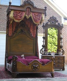 VICTORIAN ROCOCO ROSEWOOD BEDROOM SET.....beautiful! (I think this is in someone's driveway....)