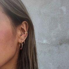 Heap of Inspiration Mejuri earphones Stacks Inspiration Mejuri - Heap of Inspirat . - Bunch of inspiration Mejuri earphones Stacks Inspiration Mejuri – Bunch of inspiration Mejuri ear - Spiderbite Piercings, Piercing Face, Ear Peircings, Piercing Tattoo, Pretty Ear Piercings, Unique Piercings, Facial Piercings, Ear Jewelry, Cute Jewelry