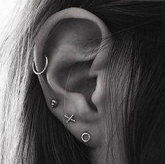 XO Earrings in Silver