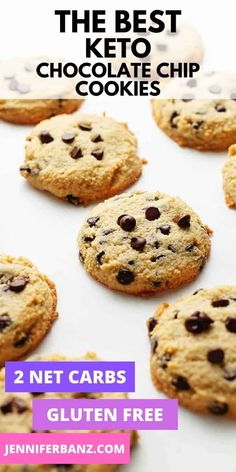 Sugar-Free Keto Chocolate Chip Cookies Recipe - These healthy homemade low carb cookies are the perfect treat for an afternoon snack or dessert. These delicious cookies are chewy, crispy and buttery. Made with almond flour and all the right ingredients. Keto Chocolate Chip Cookie Recipe, Keto Chocolate Chip Cookies, Sugar Free Chocolate Chips, Chocolate Chip Oatmeal, Sugar Free Cookies, Sugar Free Desserts, Keto Cookies, Baby Cookies, Heart Cookies