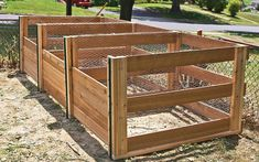 DIY Compost Bin How to Build the Ultimate Compost Bin This three-crate system will churn out rich soil in a fraction of the time. Garden Compost, Garden Pots, Build Compost Bin, Vegetable Garden, Raised Garden Beds, Raised Beds, Building A Raised Garden, Farmhouse Garden, Square Foot Gardening