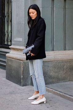 Black blazer, crop jeans, white heels, black clutch. Fashion 2018, spring fashion, spring style, spring outfit, casual spring outfit, casual outfit, blazer outfit, jeans outfit, fashion trends 2018, spring fashion trends #blazer #springstyle #streetstyle #ss18 #fashion2018 #blazeroutfit #ootd #outfits #outfitideas #outfitinspiration #springfashion #casualstyle2018, street style, minimal outfit, simple outfit, easy outfit. #fashion2018 #springstyle #ss18 #casualstyle #streetstyle #ootd…