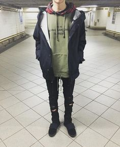 More mens grunge fashion, grunge men, street style guys, grunge street styl Indie Outfits, Grunge Outfits, Boy Outfits, Cute Outfits, Fashion Outfits, Fashion Fashion, Womens Fashion, Fashion Guide, Fashion Blogs
