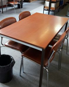 T.01 (14 tables)