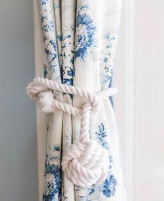 knot tie back